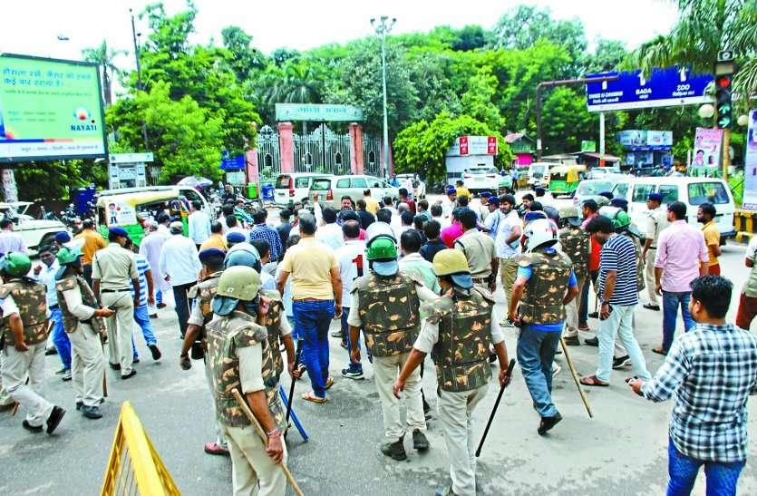 ना दंगा ना हिंसा लेकिन फिर भी हो गया बाजार बंद