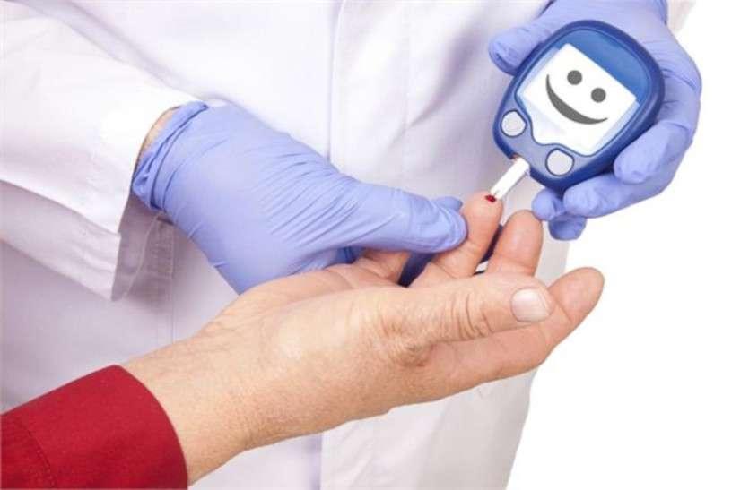 डायबिटीज के कुछ मरीजों में हार्ट अटैक आने पर  हाथ-पैर ठंडे व सीने में दर्द नहीं होता