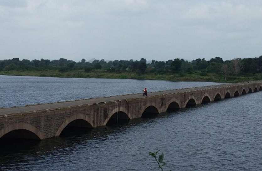 कहां है खतरा नदी के पुल डूबने का, क्यों चिंतित हैं ग्रामीण