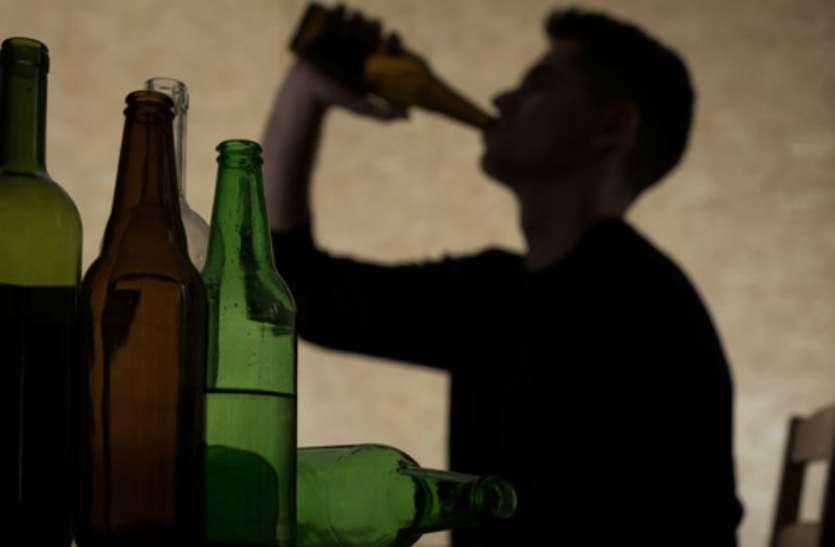 आबकारी विभाग के सह पर धड़ल्ले से बिक रही अवैध शराब, दांव पर लोगों की जिंदगी