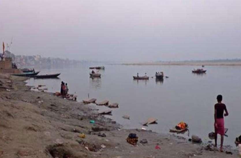 रिपोर्ट में दावा: गंगा का पानी न तो पीये और न ही नहाने में करें इस्तेमाल, नहीं तो हो सकती हैं ये बीमारियां