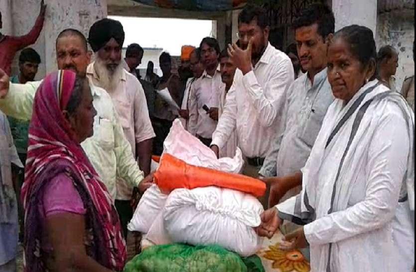 प्रभारी मंत्री ने बाढ़ क्षेत्रों का किया दौरा, जानी हकीकत