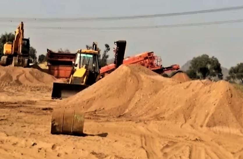 election 2018 - अवैध खनन - नर्मदा की रेत की मंडी बन गए खेत, दोनों दलों को भारी पड़ेगा यह मुद्दा
