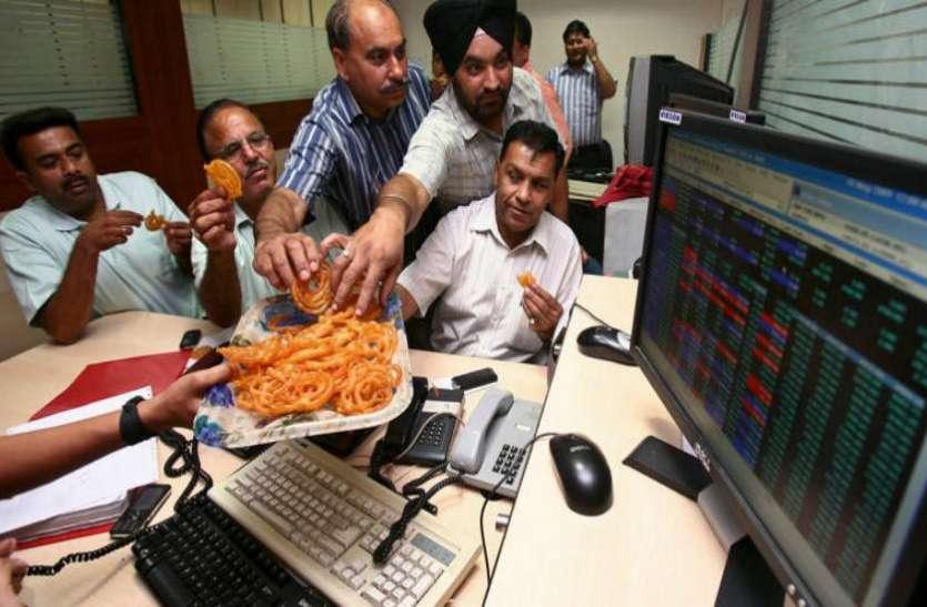 शेयर बाजार में लौटी रौनक, सेंसेक्स 147 अंकों के साथ आैर निफ्टी 52 अंकों के साथ बंद हुआ