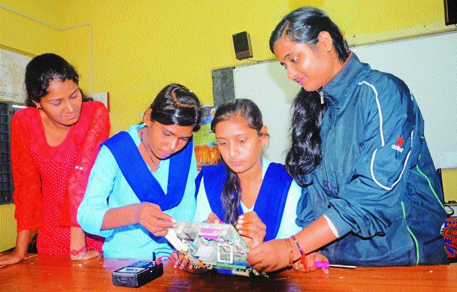 टेक्निकल ट्रेड में कॅरियर बनाने के मौके, लड़कियों का बढ़ा रुझान