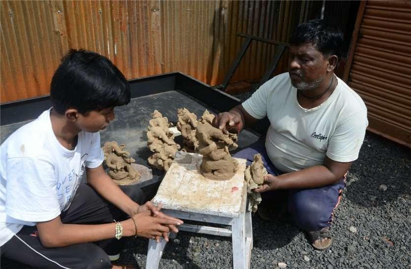 राजघरानों में स्थापित होती थी इनके हाथों से बनी गणेश प्रतिमा, सौ साल से निभा रहे परंपरा