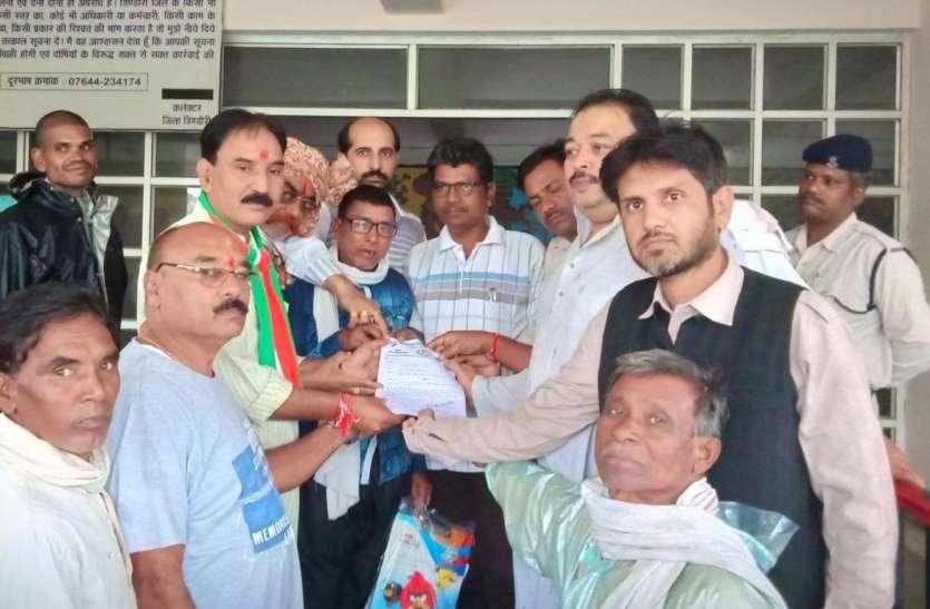केन्द्र व प्रदेश सरकार तेल के खेल में आम और खास को लूट रही