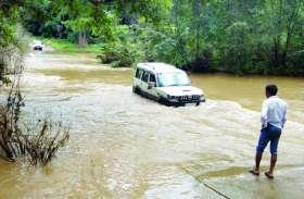 दो दिनों से जारी है अनवरत बारिश, जिले के लोगों का जनजीवन हो गया प्रभावित