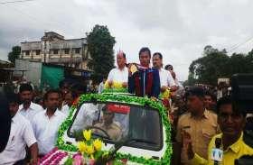 PICS : गाजे-बाजे से 'गोल्डन गर्ल' सरिता का स्वागत