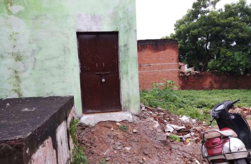 अमानगंज मोहल्ला में हो रही थी वेश्यावृत्ति, मोहल्ले के लोगों ने बुलाई पुलिस