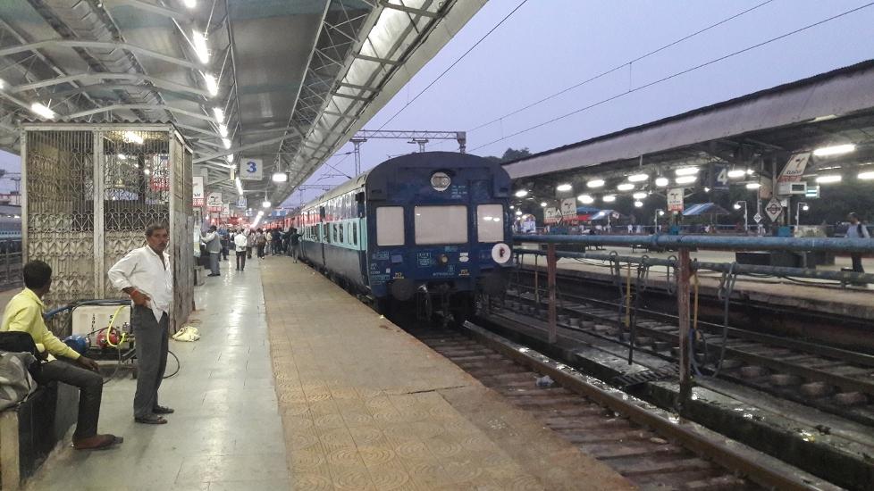 रेलवे स्टेशनों पर खुलेंगे बहुउद्देशीय स्टॉल, खानपान के अलावा मिलेंगी अन्य जरूरी वस्तुएं