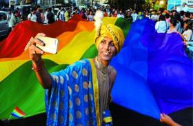 धारा 377 पर फैसले के बाद प्रेम के सातों रंगों को मिली लोकतंत्र के आसमान में जगह