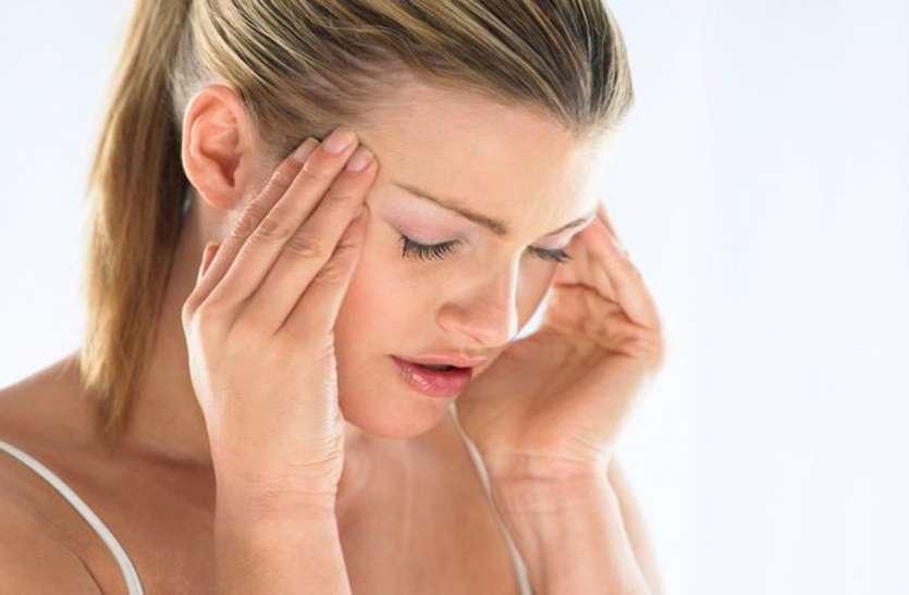 सिर में असहनीय दर्द हो तो कराएं माइग्रेन का इलाज : Experts