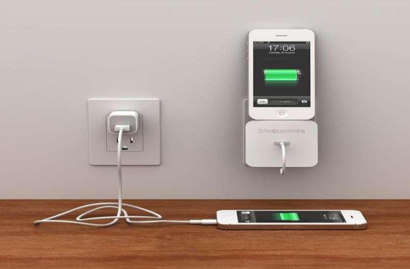 नकली हो सकता है अापका असली दिखने वाला चार्जर, अगर बचानी है जान तो पढ़े ये ख़बर