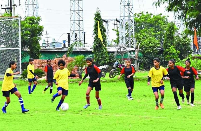 फुटबॉल बालक वर्ग में इंदौर व बालिका में नर्मदापुरम की जीत