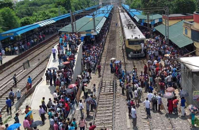 सोदपुर में बवाल, स्टेशन मास्टर को पीटा, कार्यालय में तोडफ़ोड, आगजनी
