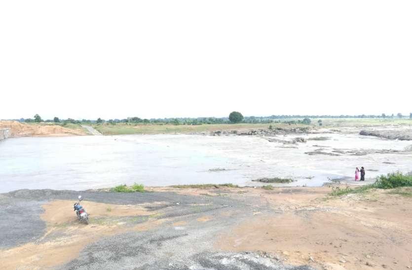 लगातार बारिश: रपटा पर केवई ने भरी उफान, दो दर्जन गांवों की आगमन बंद