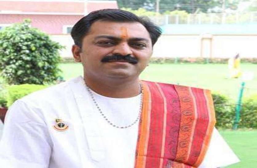 डेंगू के कहर से नही बच पाए गुजराती समाज के कथावाचक, महामारी से हुई 42वीं मौत