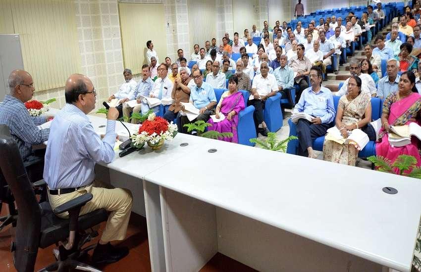 बीएचयू विद्वत परिषद की बैठक