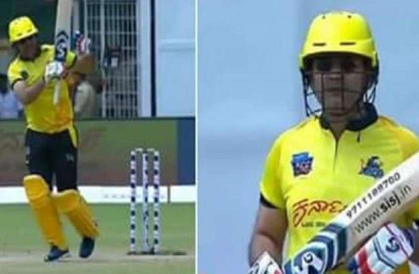 क्रिकेट में सहवाग की धमाकेदार वापसी, दूसरी ही गेंद पर लगाया छक्का, जमकर बटोरे रन