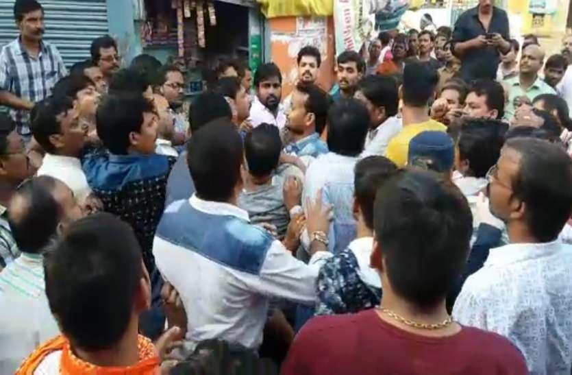 जौनपुर की मशहूर शाहगंज रामलीला समिति पर वर्चस्व के लिये सड़क पर संग्राम