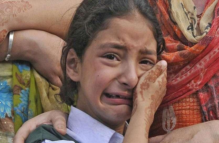 एक साल बाद भी नहीं सूखे हैं शहीद रशीद शाह की बेटी के आंसू, बेसब्री से कर रही है पापा का इंतजार