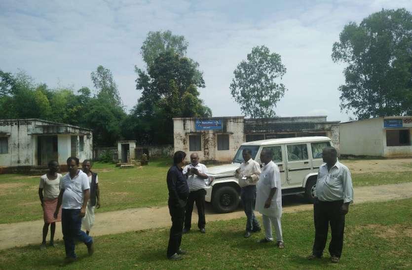 छत्तीसगढ़ की सीमा से लगे मतदान केन्द्रों का किया निरीक्षण, सुरक्षा बल करेगा निगरानी