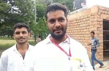 एबीवीपी ने जताई जीत की उम्मीद, समर्थकों के कार्ड फाडऩे की घटना से गर्माया माहौल