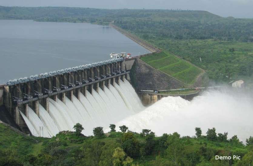 बाढ़ नियंत्रण कक्ष राम भरोसे : देर रात माही का जलस्तर नहीं बता पाए कर्मचारी, बोले- फाइल नहीं मिल रही है