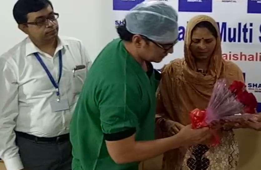 दायीं ओर धड़क रहा था महिला के सीने में दिल.. 6 घंटे की सर्जरी में डॉक्टर्स ने कर दिखाया कमाल, प्रदेश में पहला मामला