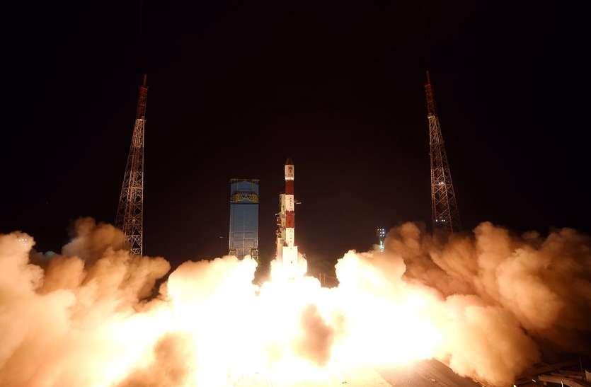 दो ब्रिटिश उपग्रहों के साथ रात में उड़ान भरेगा पीएसएलवी