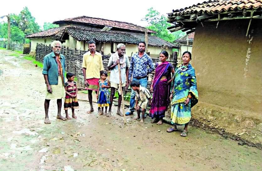 आंैधी के अंदरूनी गांवों में नहीं पहुंचा विकास, अंधेरे में जिंदगानी