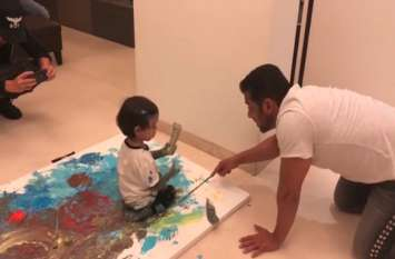 मामा सलमान भांजे को पेंटिंग सिखाते आए नजर, बहन अर्पिता ने वीडियो शेयर करते लिखी ये बात