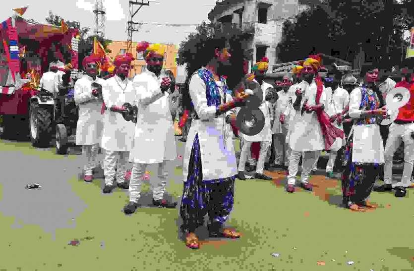 महामाया गादी माता की शहर में निकाली शोभायात्रा