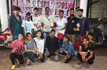थिएटर ओलम्पियाड में आजमगढ़ के कलाकारों का जलवा, जीते कई खिताब