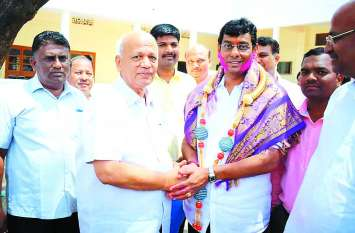 कर्नाटक में भाजपा को झटका, कांग्रेस जीती