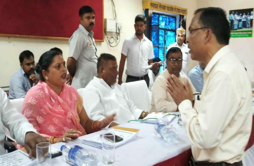 योगी के मंत्री पर ऐसी नाराज हुईं BJP महिला विधायक, कहा आज के बाद आपकी बैठकों में नहीं आउंगी, अधिकारी मांगने लगे माफी