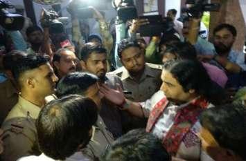 देवकी नंदन ठाकुर की गिरफ्तारी के बाद ठाकुरों ने किया बड़ा ऐलान