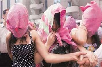 मेरठ के जिस्मफरोशी के बाजार में पुलिस का छापा, चार युवतियां कोठे से कराई गई मुक्त