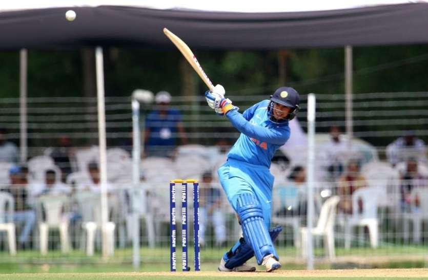 मंधाना ने ताबड़तोड़ बल्लेबाजी कर बनाया ये खास रिकॉर्ड, भारत ने श्रीलंका को दी करारी शिकस्त