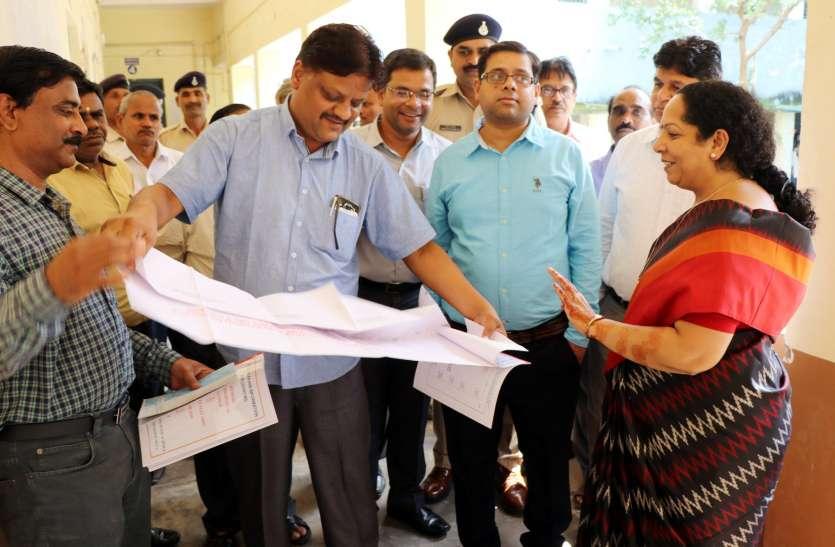संभावित मतगणना स्थलों का कलेक्टर और एसपी ने किया गया निरीक्षण, व्यवस्थाओं का लिया जायजा