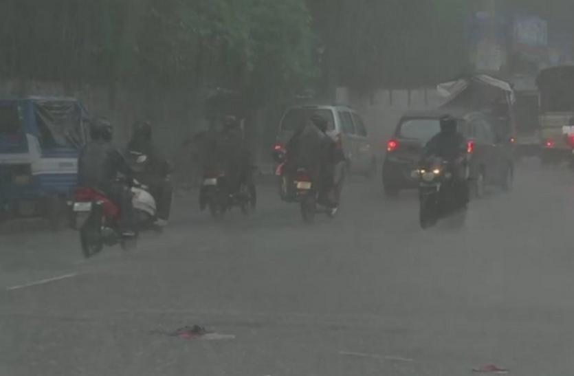 मौसम विभाग का अलर्टः दिल्ली-उत्तराखंड समेत कई राज्यों में अगले 24 घंटे मानसून रहेगा मेहरबान