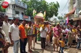 बांसवाड़ा : भक्ति-भाव के साथ मनाया बाबा रामदेव का जन्मोत्सव, सजाई झांकियां, जयकारों संग निकाले जुलूस