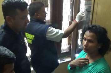 Breaking: मेरठ के पाॅश इलाके में दिनदहाड़े दो घरों में लाखों की डकैती