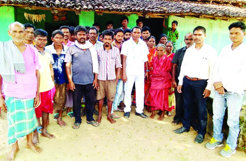 शासन की कोई भी योजनाओं का मिल रहा लाभ, सुविधाओं के लिए तरस रहे ग्रामीण