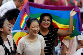 सिंगापुर: डिस्कजॉकी ने 'समलैंगिकता' पर लगी रोक को अदालत में दी चुनौती