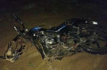 2 बाइक में इतनी भयंकर भिड़ंत कि एक-दूसरे से टकरा गया युवकों का सिर, 2 की दर्दनाक मौत, 4 घायल