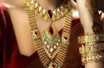 सोना में आर्इ 250 रुपए की कमी, तीन सप्ताह के उच्चतम स्तर पर चांदी