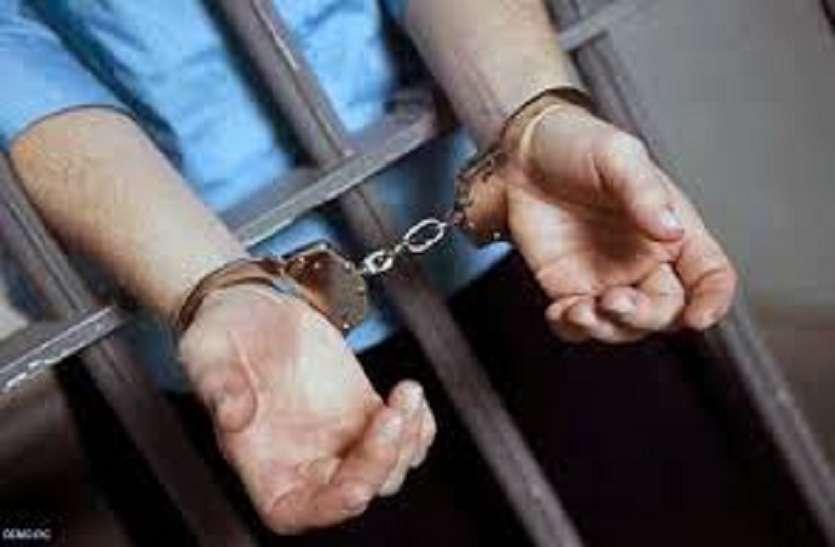 प्रधान पर जानलेवा हमले के दो आरोपियों को पुलिस ने किया गिरफ्तार
