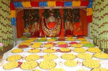 मंदिरों व घरों में विराजित किए गणेश जी
